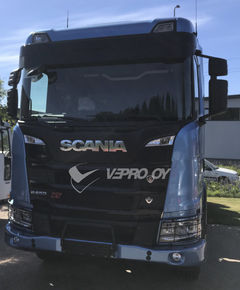 SCANIA 2017- S/R/G SUN VISOR with two marker lights